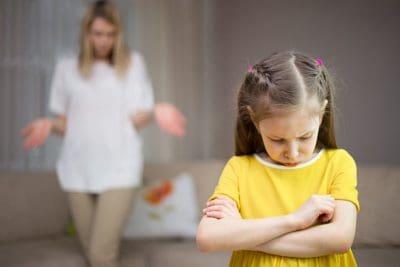 Cum sa te abtii sa tipi la copil chiar si cand esti nervos