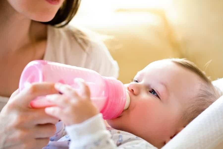 laptele la bebelusi