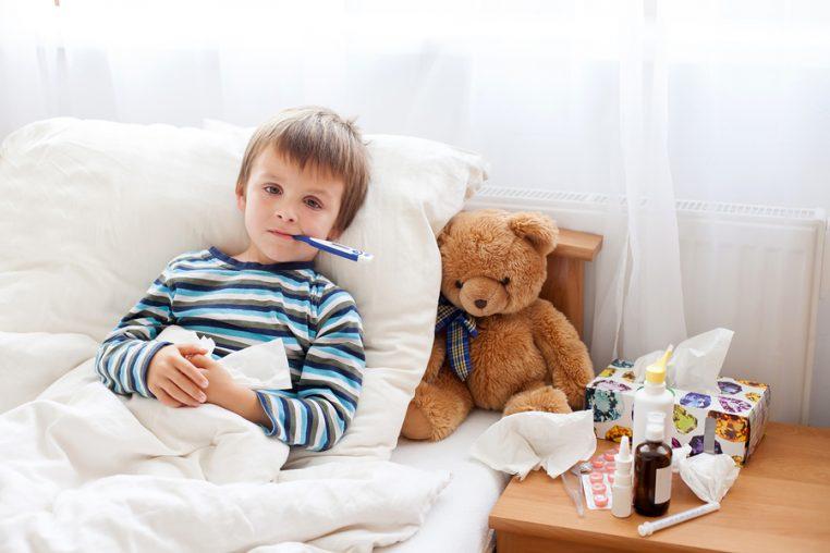 cand tratam febra acasa si cand chemam medicul